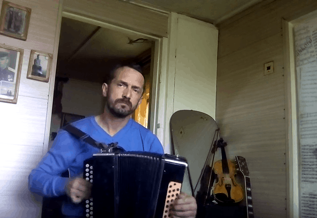 под гармонь научиться играть на гармони