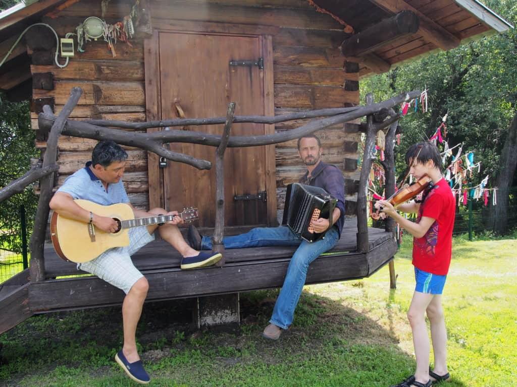 Народное сольфеджио и Игра народной музыки на гармони, скрипке и гитаре