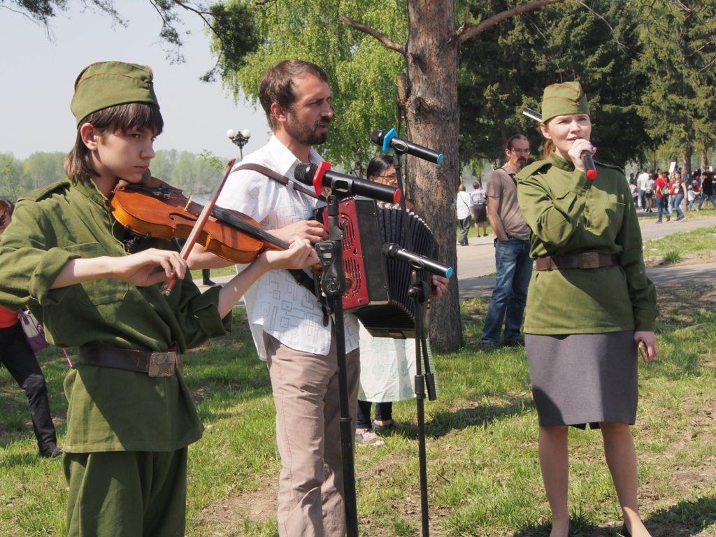 Песни военных лет под гармонь